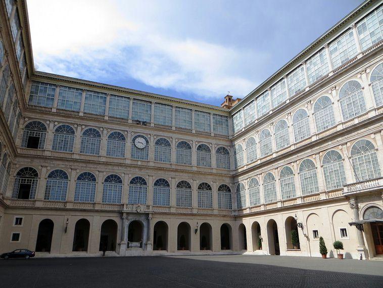 Apostolic Palace - Vatican individual tour