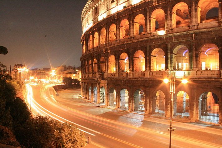 Night car tour of Rome