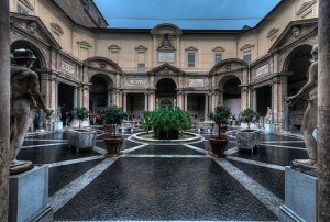 Octagonal Courtyard - vatican individual tour