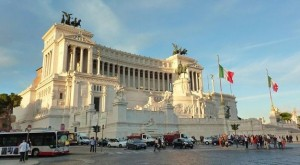 Piazza Venezia - Rome car excursion