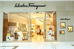 salvatore ferragamo roma shopping