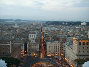 shopping street rome