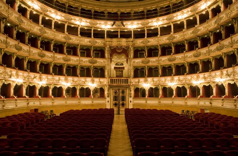 Театро Гранде - Сполето - Умбрия - екскурзии в Италия