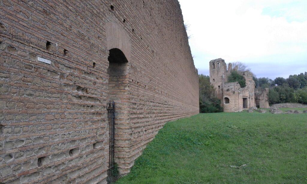 Aurelian-walls-Rome-car-tour