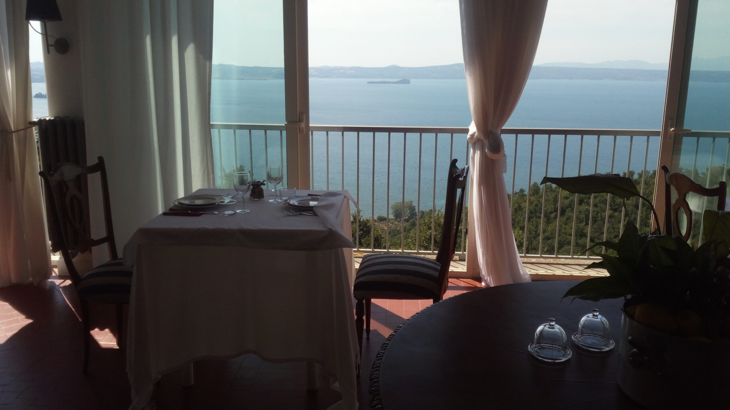 Романтичный ресторан на озеро Болсена