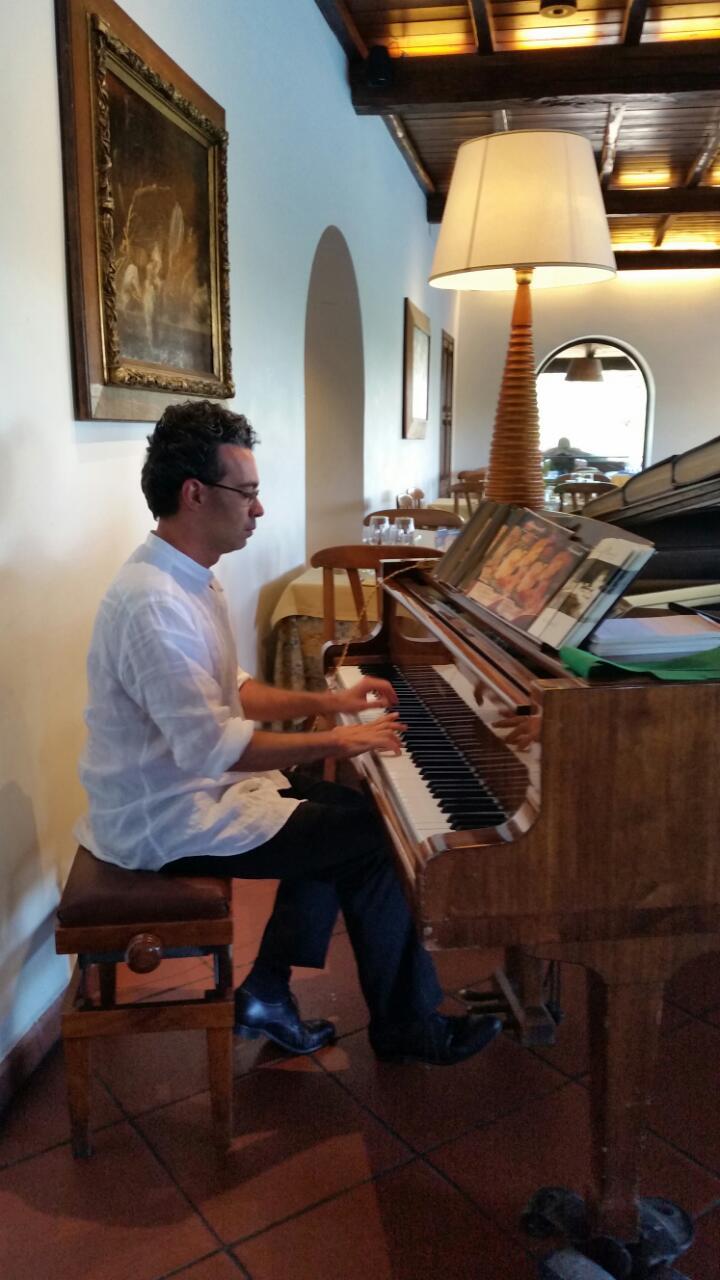 Adel Karanov play music in Castel Gandolfo