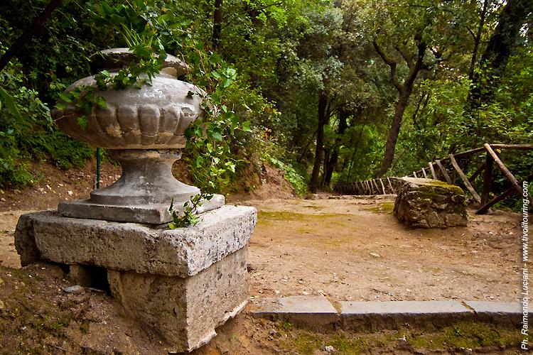 Villa Gregoriana - Tivoli tour from Rome