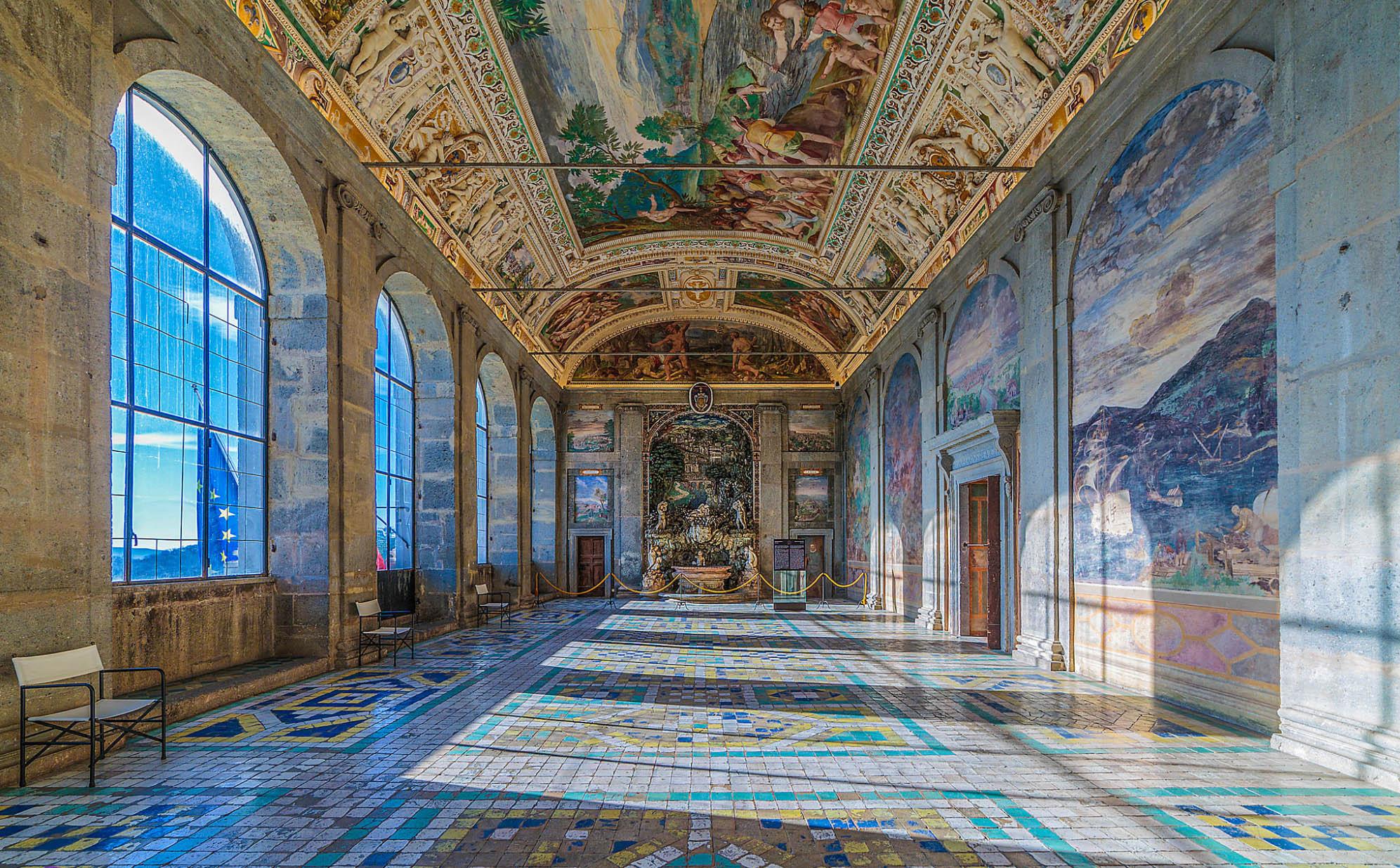 Зала в Палацо Фарнесе - Екскурзия в Лацио