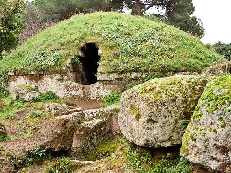 Некрополь-этрусский-Лацио-частная-экскурсия-из Рима
