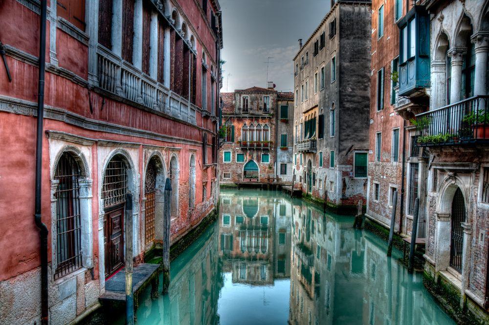 Частна обиколка на гондола във Венеция