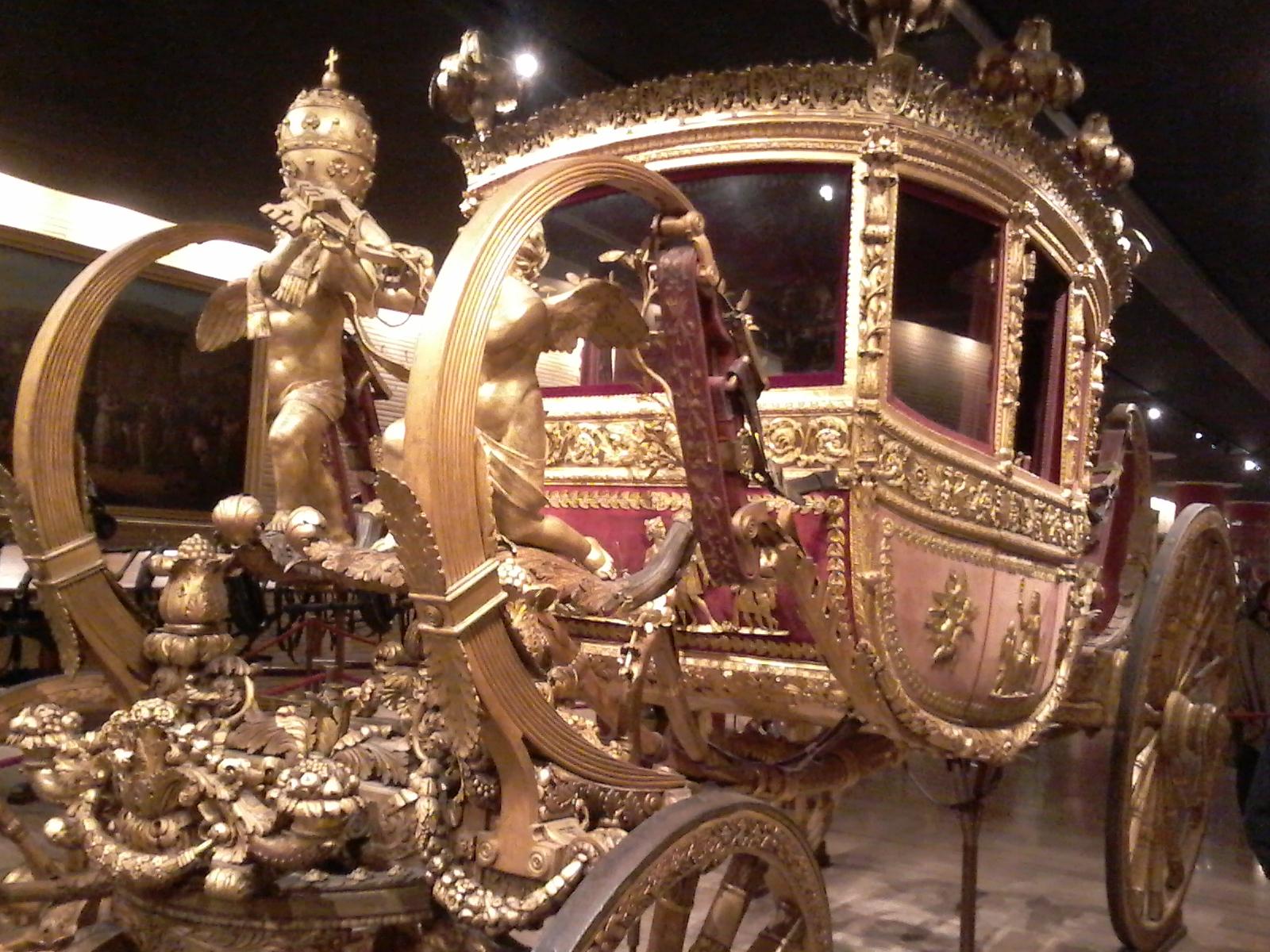 Papal Golden Coach - Vatican Tour