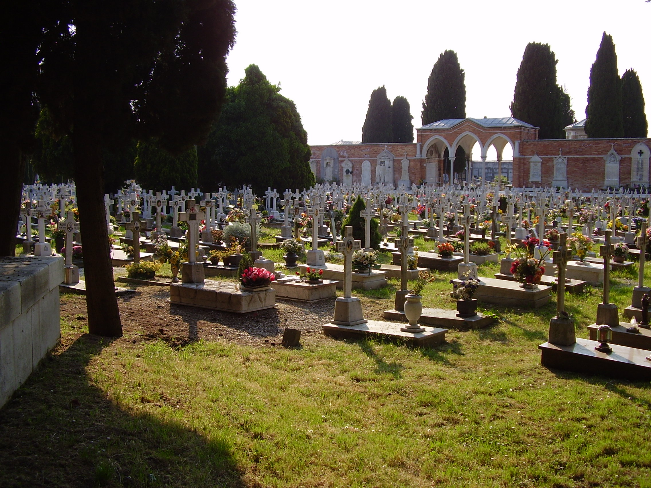 Visit of the monumental cemetery of Venice San Michele