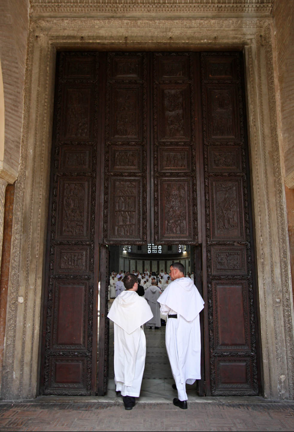 Вход на базилика Санта Сабина в Рим