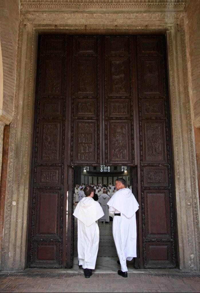 Двери Санта Сабина - Рим