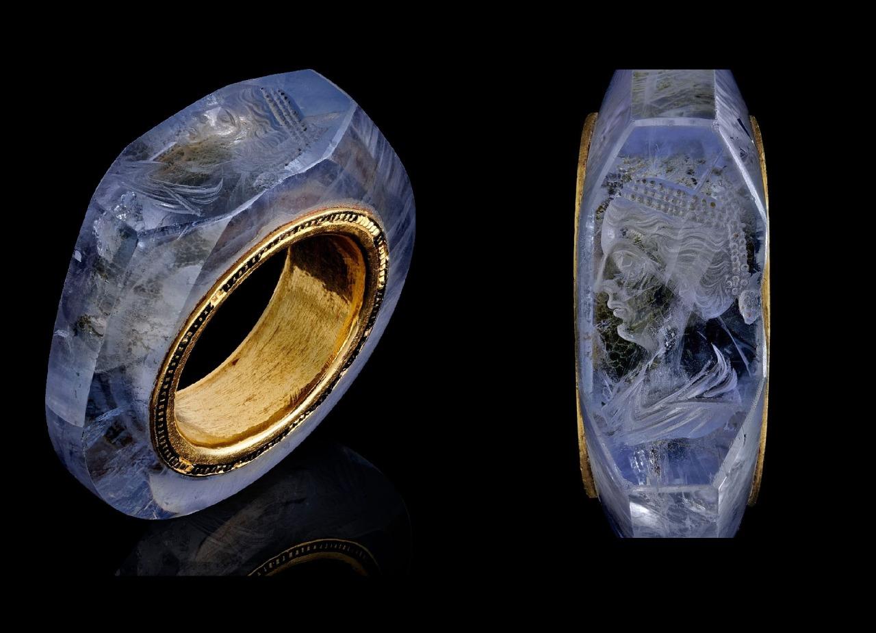 Кольцо Калигола с сапфиром