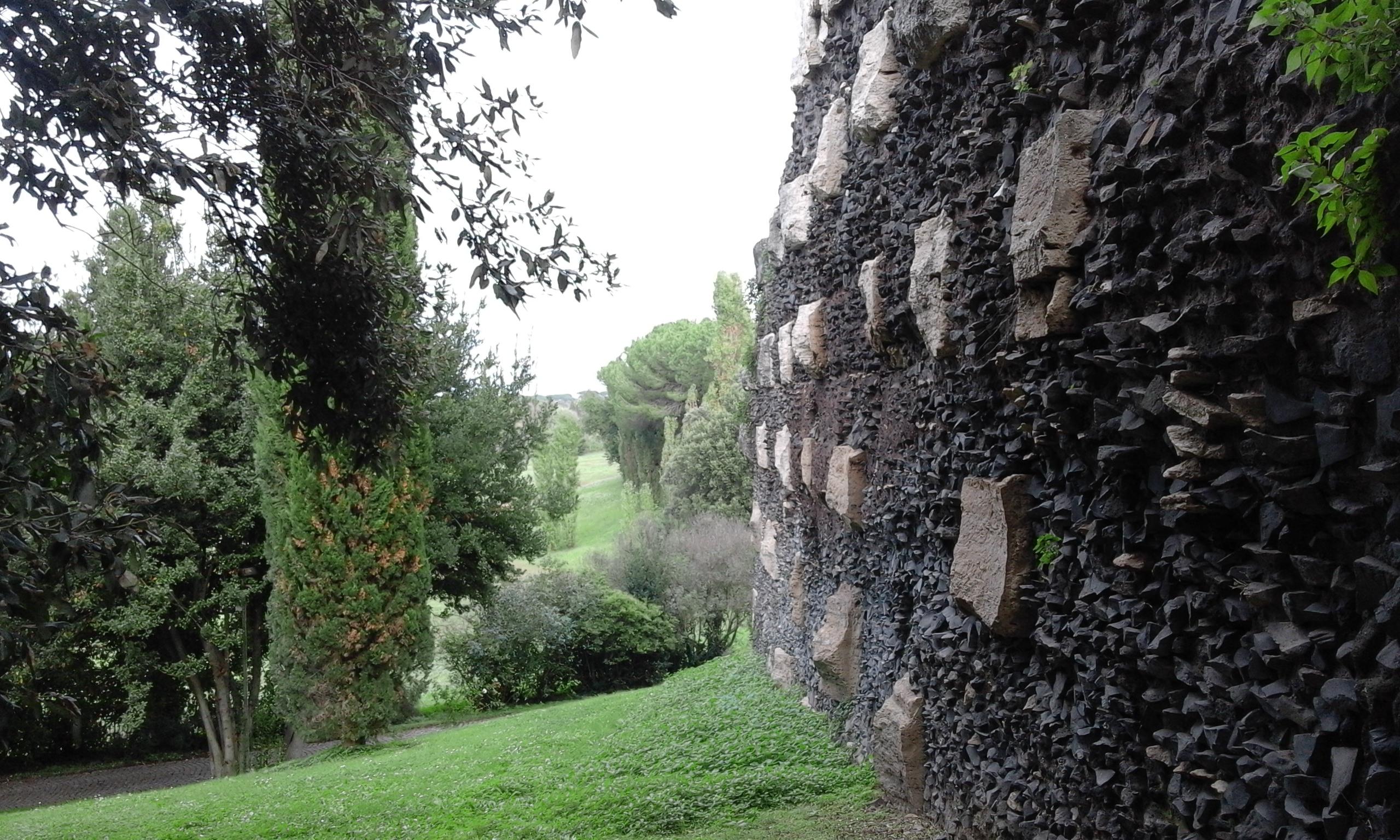 Мавзолей Чечилия Метелла - Индивидуални Екскурсии в Рим
