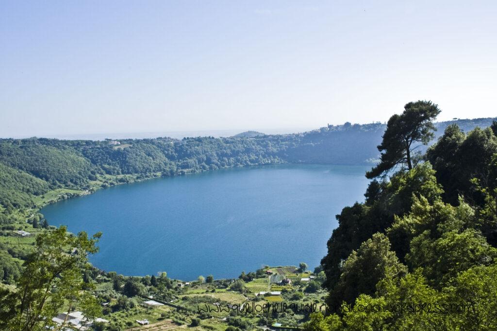 Озеро - Лаго ди неми - Кастелли Романи
