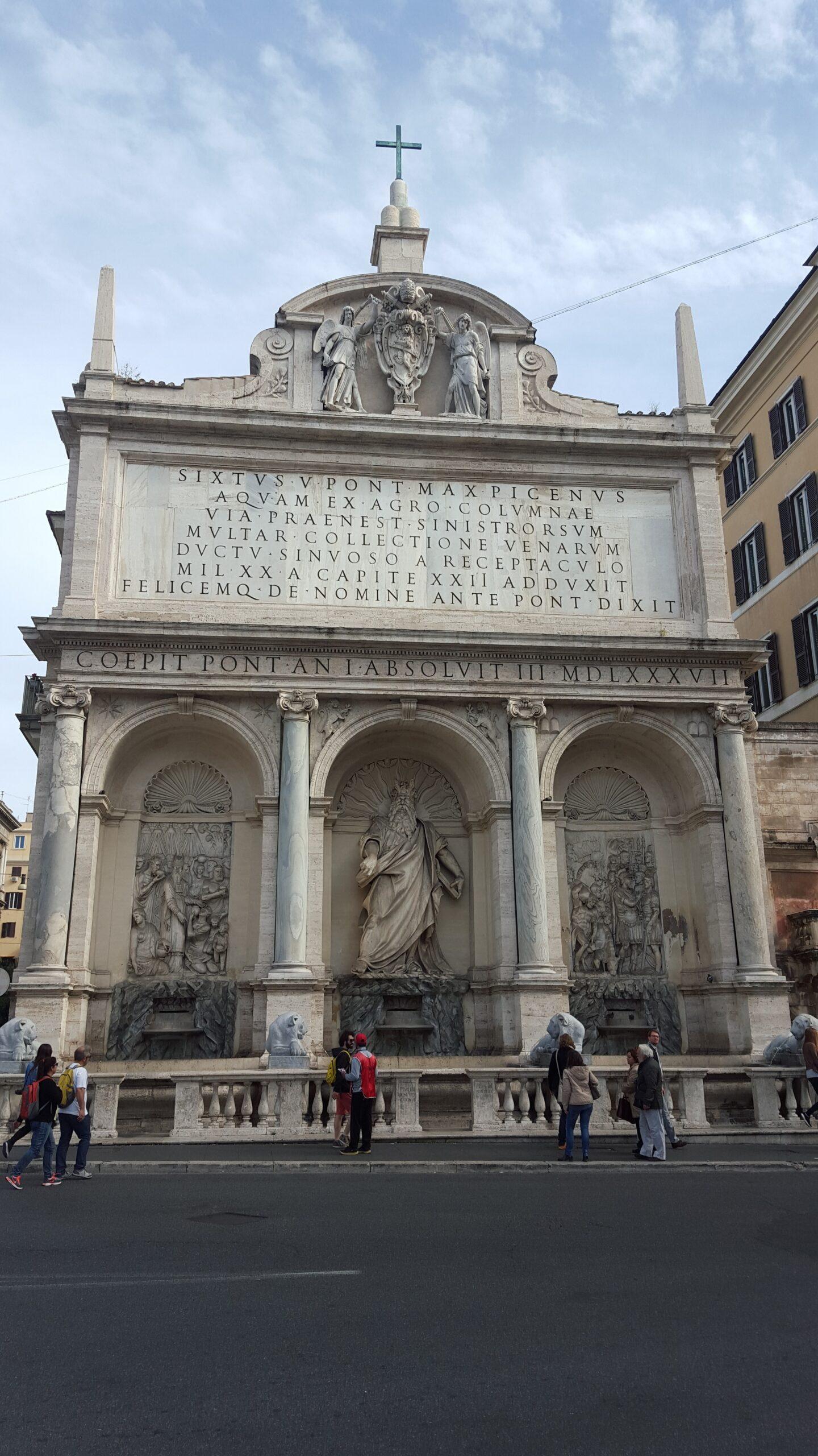 Фонтан Аква Феличе - Моисея в Риме Микеланджело