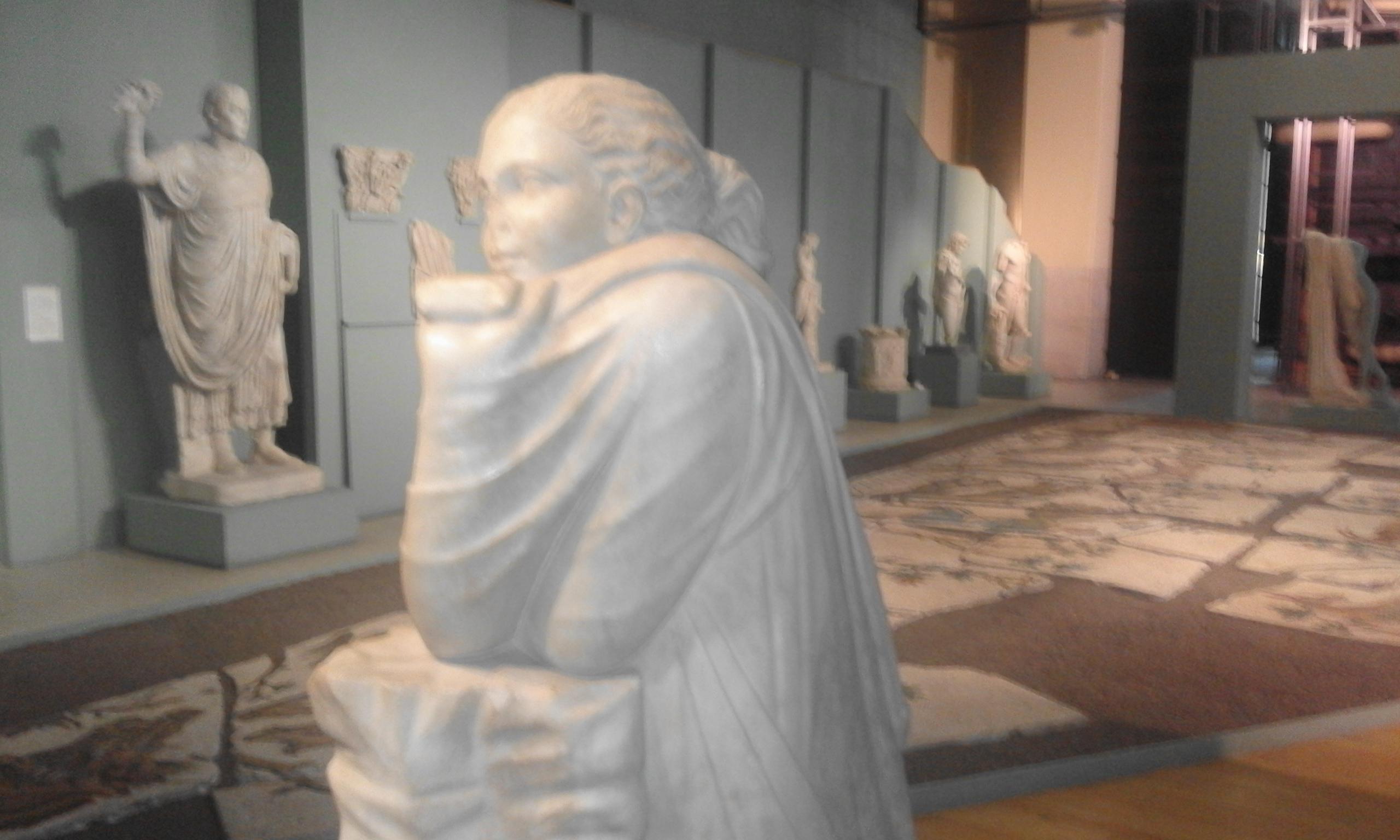 Giovane in preghiera - Centrale Montemartini