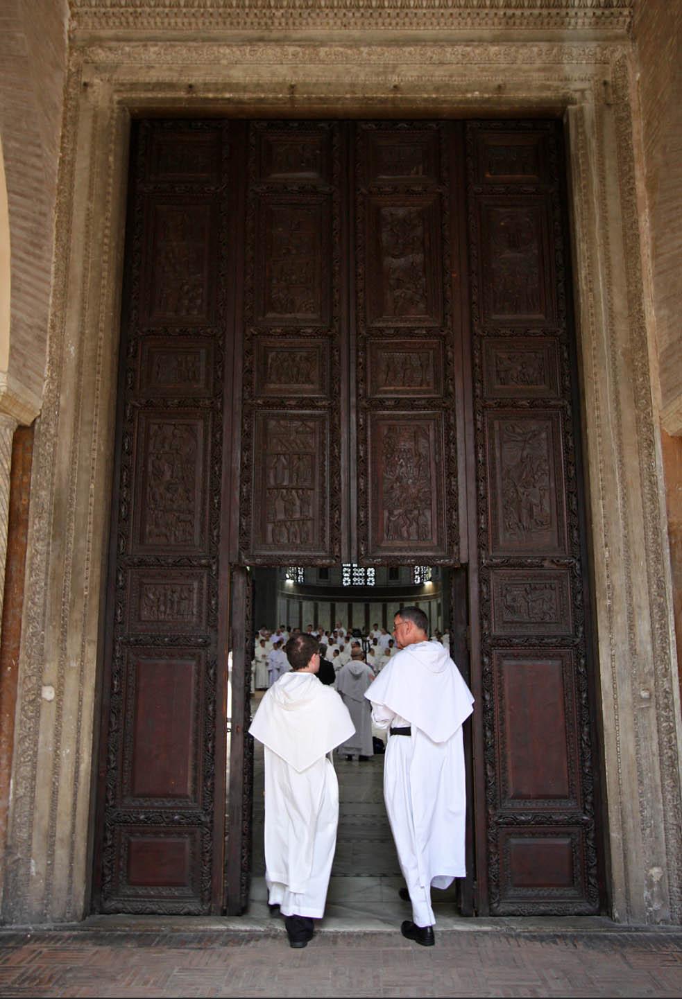 Entrée de la basilique Santa Sabina