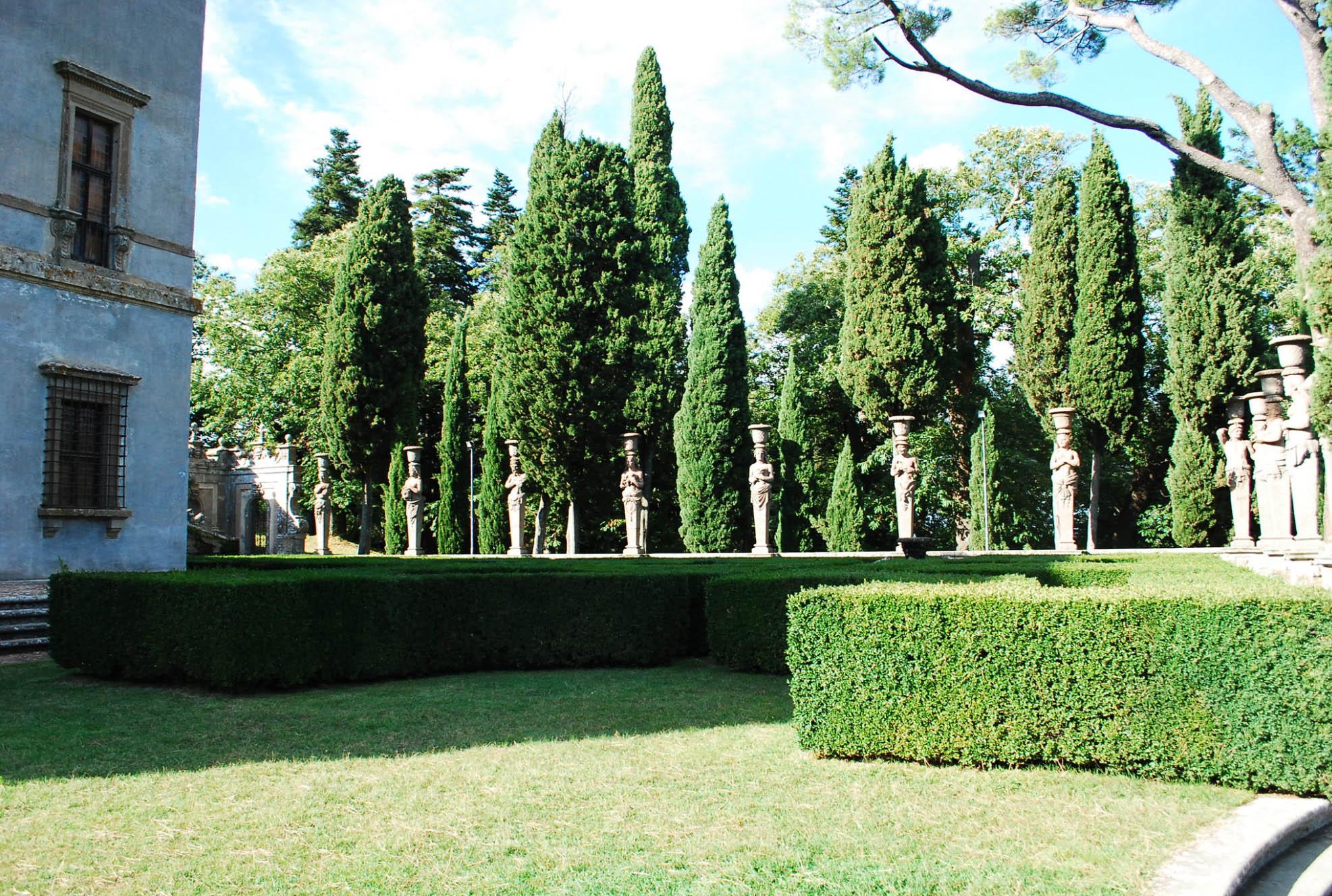 Giardini a Palazzo Farnese - Lazio private guide