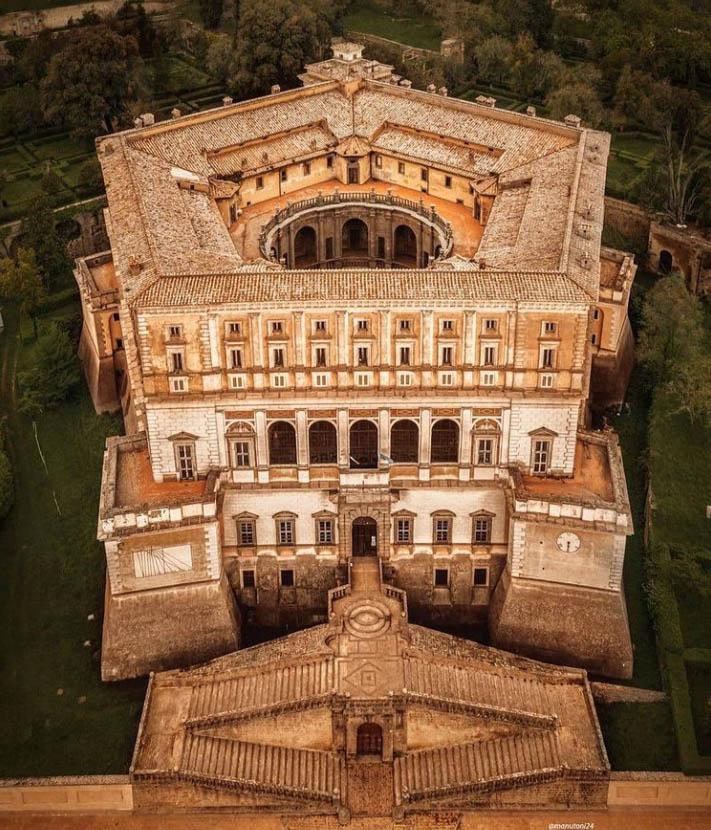 Palazzo Farnese - VT Lazio