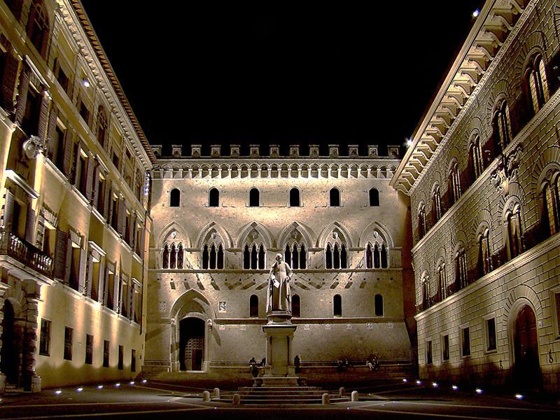 Visite en voiture de Sienne - Banca Montepaschi di Siena